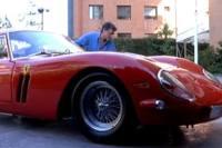 Leští svoje Ferrari