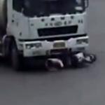 Přejetý náklaďákem