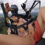 Prstění a paragliding, orgasmy ve výšce!