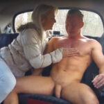Female Fake Taxi – paní taxikářka si užije porno se zákazníkem